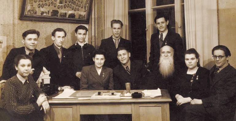 П. А. Сук з викладачами училища